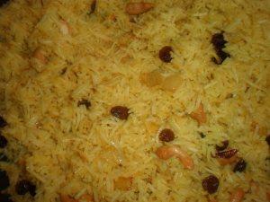 Briyani with raisins and cashews